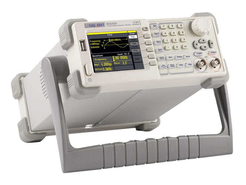 Siglent SDG830 генератор сигналов произвольной формы
